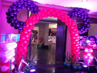 wedding entrance balloons, balloons entrance, balloons at entrance.