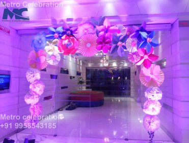 entrance decoration for party, castle entrance for party, entrance for birthday party.