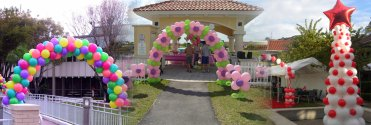 entrance arch balloons, balloons for entrance, balloons in entrance.