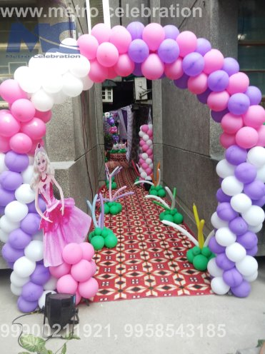 entrance area decoration, entrance apartment decoration, balloon decoration for entrance.