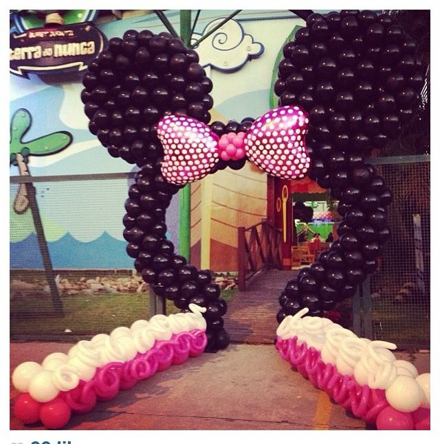 entrance decoration for party, entrance for birthday party, grand entrance for party.
