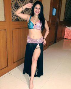 belly dancers girl